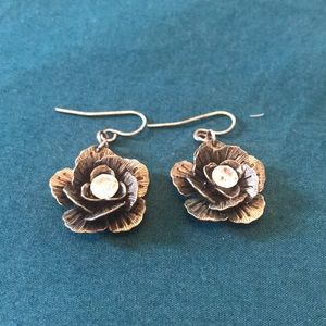Pewter Grey Flower Earrings